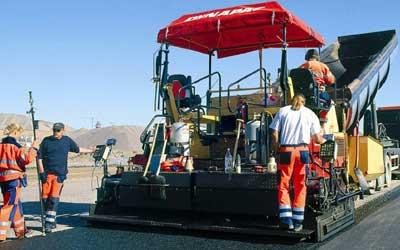Η βελτίωση του επιπέδου αντιολισθητικότητας των οδοστρωμάτων είναι σήμερα σταθερή απαίτηση σε κάθε έργο οδοποιίας.